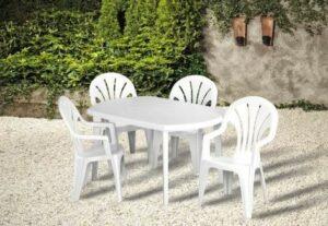 Kényelmes kerti asztal